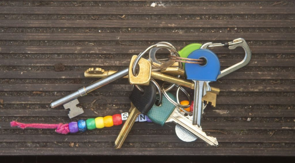 Keys with reflected light resulting in rich colours